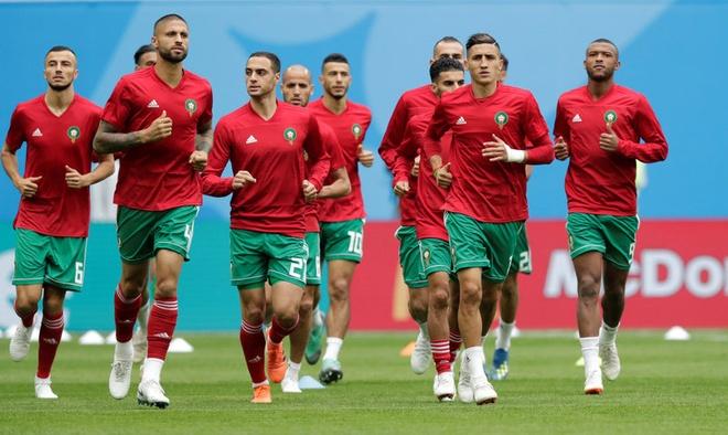 Morocco 0-1 Iran: Hau ve Morocco phan luoi nha dung phut cuoi hinh anh 4