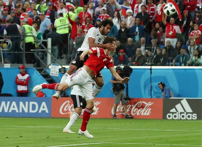 Salah ghi ban van khong giup Ai Cap tranh tham bai hinh anh 22