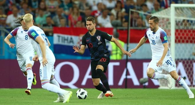Ivan Perisic len tieng, Croatia thang kich tinh Iceland hinh anh 15