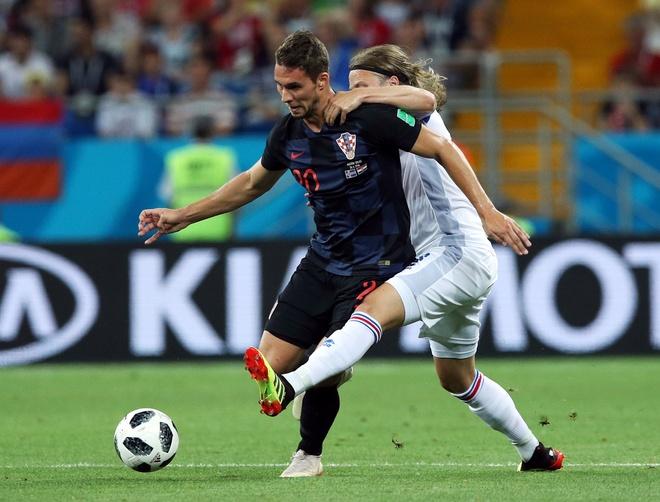 Ivan Perisic len tieng, Croatia thang kich tinh Iceland hinh anh 17