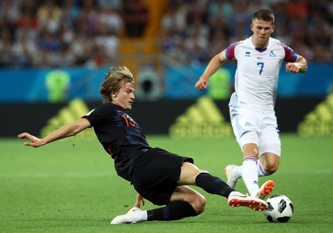 Ivan Perisic len tieng, Croatia thang kich tinh Iceland hinh anh 20