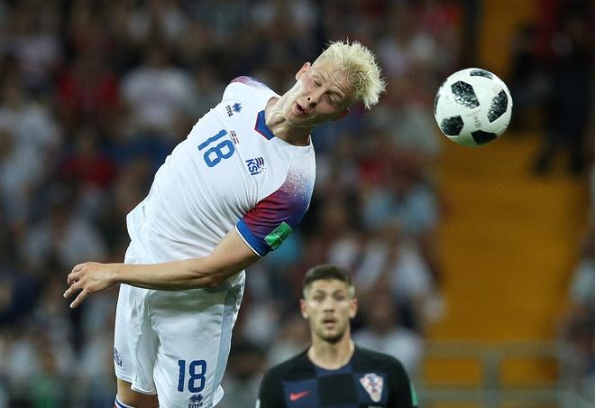 Ivan Perisic len tieng, Croatia thang kich tinh Iceland hinh anh 21