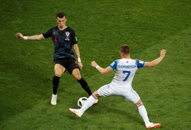 Ivan Perisic len tieng, Croatia thang kich tinh Iceland hinh anh 23