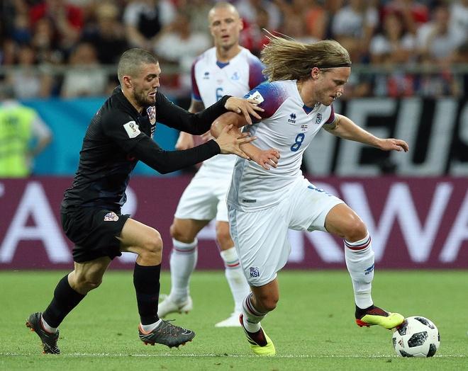 Ivan Perisic len tieng, Croatia thang kich tinh Iceland hinh anh 24