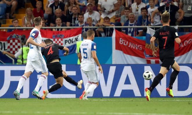 Ivan Perisic len tieng, Croatia thang kich tinh Iceland hinh anh 33