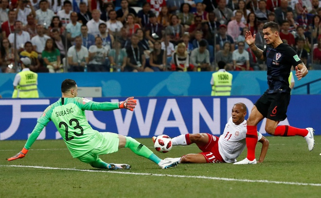 Modric da hong phat den, Croatia thang nghet tho sau loat luan luu hinh anh 23