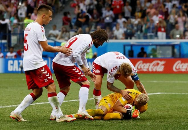 Modric da hong phat den, Croatia thang nghet tho sau loat luan luu hinh anh 41