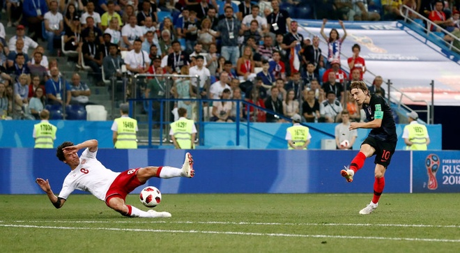 Modric da hong phat den, Croatia thang nghet tho sau loat luan luu hinh anh 32