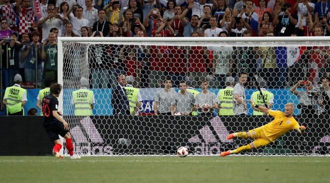Modric da hong phat den, Croatia thang nghet tho sau loat luan luu hinh anh 42