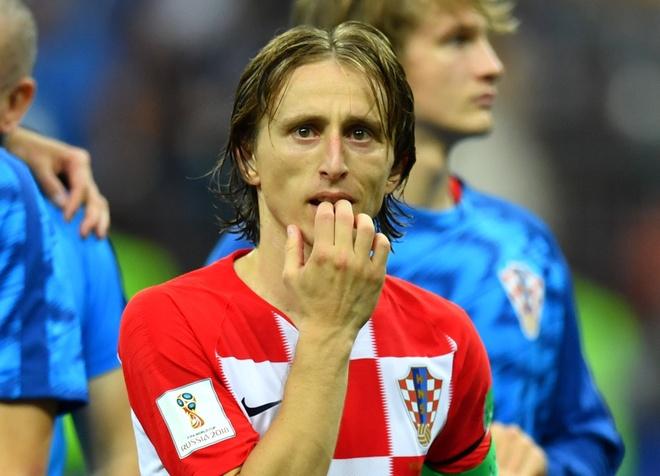 Doi truong Modric duom buon nhan Qua bong vang World Cup hinh anh