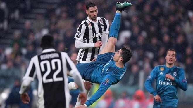 CR7 den Juventus vi ghi cu 'xe dap chong nguoc' vao luoi Buffon hinh anh