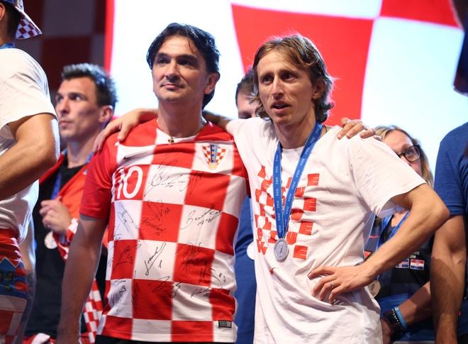 DT Croatia quyen gop tien thuong cho tre em hinh anh 1