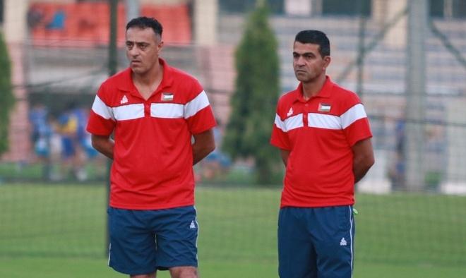 U23 Palestine doi phun nuoc cho san, U23 Oman bo tap ngay dau tien hinh anh