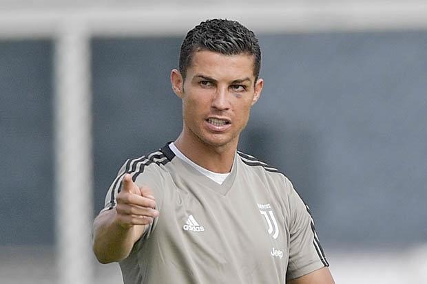 'Khong co HLV nao quan trong hon Ronaldo' hinh anh