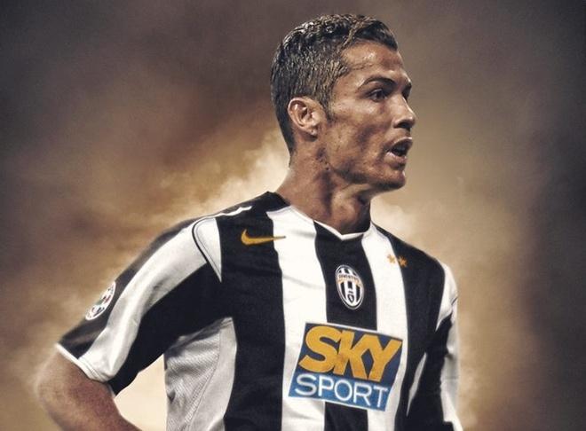 Ronaldo, Messi ra sao khi khoac ao Juve, Barca cua nhieu nam truoc? hinh anh
