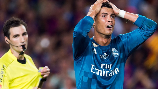 10 lan nhan the do cua Ronaldo truoc khi choi cho Juve hinh anh