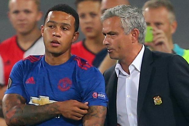 Mourinho bo ngo kha nang dua Depay tro lai MU hinh anh