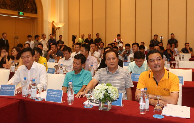 HLV Hai Phong dan dat doi bong phui tham du giai phong trao o Ha Noi hinh anh 2