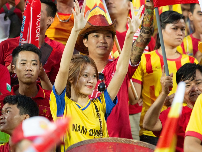 CDV Hai Phong lan loi den san Thien Truong co vu chu nha Nam Dinh hinh anh