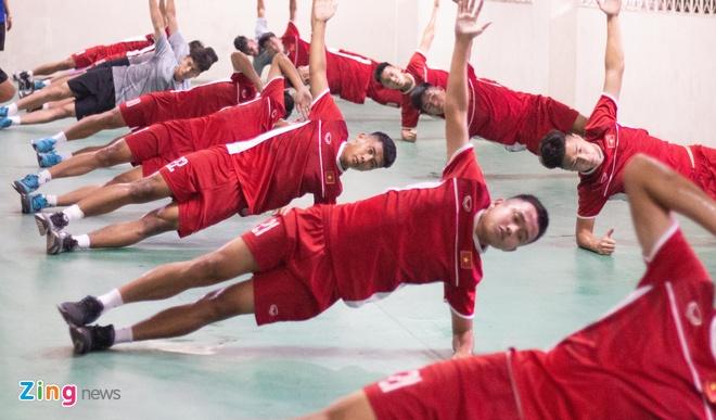 U19 Viet Nam tap buoi cuoi tai san thi dau trong tam trang hung khoi hinh anh 8