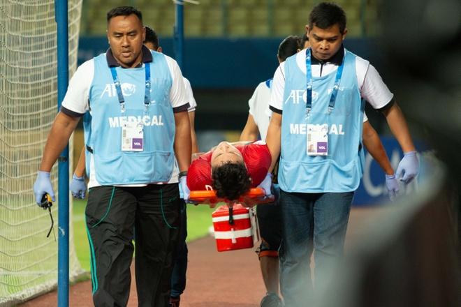 Doi truong U19 Viet Nam nhap vien sau tran thua Jordan hinh anh