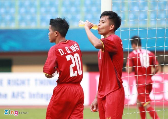 HLV Hoang Anh Tuan: 'Khong hieu vi sao U19 Viet Nam lai so hai' hinh anh 2