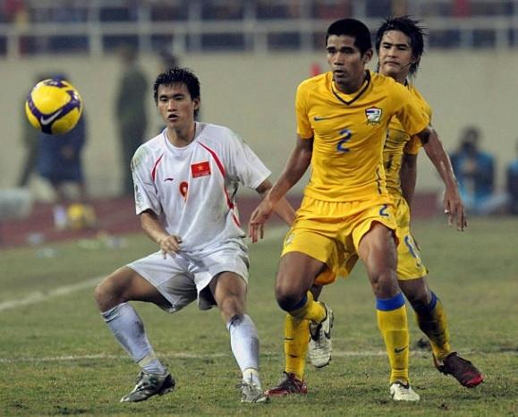 Doi hinh vo dich AFF Cup 2008 gio day: Ke viet sach, nguoi lam HLV hinh anh 11