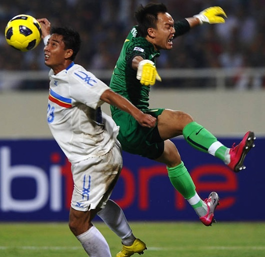 Doi hinh vo dich AFF Cup 2008 gio day: Ke viet sach, nguoi lam HLV hinh anh 1
