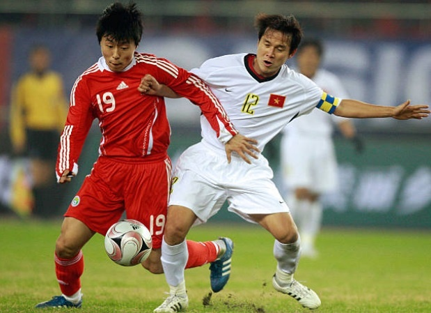 Doi hinh vo dich AFF Cup 2008 gio day: Ke viet sach, nguoi lam HLV hinh anh 9
