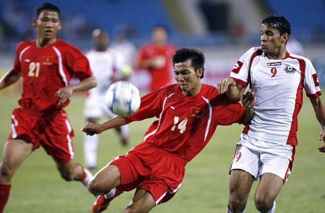 Doi hinh vo dich AFF Cup 2008 gio day: Ke viet sach, nguoi lam HLV hinh anh 5