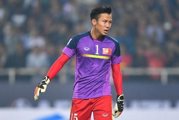 Trong doi hinh Viet Nam thua Indonesia nam 2016, chi 5 nguoi tru lai hinh anh