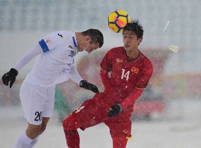 Văn Đức chơi đầy nỗ lực trong trận chung kết gặp U23 Uzbekistan. Ảnh:Getty Images.