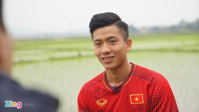 Văn Đức trở về quê nhà Yên Thành sau vòng chung kết U23 châu Á. Ảnh:Phạm Duy.