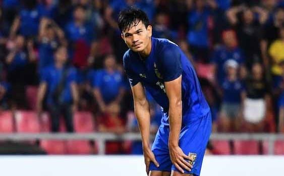 HLV Thai Lan da tinh khong cho Adisak Kraisorn sut qua penalty hinh anh