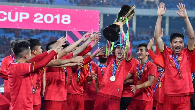 Tuyen Viet Nam vo dich AFF Cup: Sau anh hao quang se la gi? hinh anh