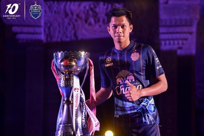 Xuan Truong banh bao ben canh cup vo dich Thai League cua Buriram hinh anh 9