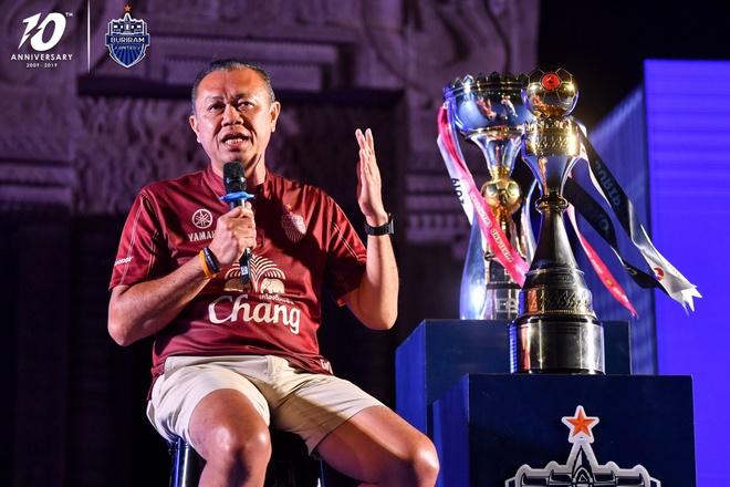 Xuan Truong banh bao ben canh cup vo dich Thai League cua Buriram hinh anh 4