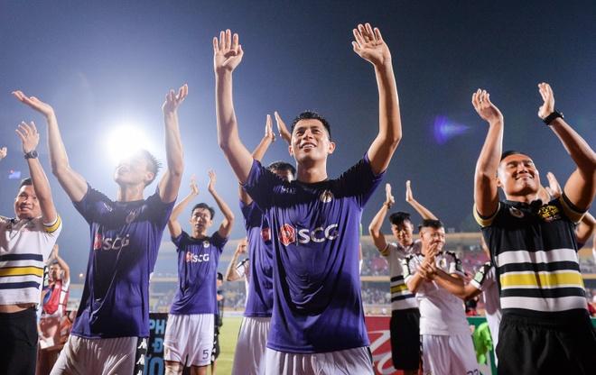Bao Trung Quoc vi CLB Ha Noi la Real Madrid cua Viet Nam hinh anh