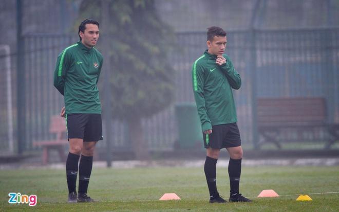 Bao Indonesia doi loai sao tre choi bong o Ha Lan ra khoi doi U23 hinh anh 1