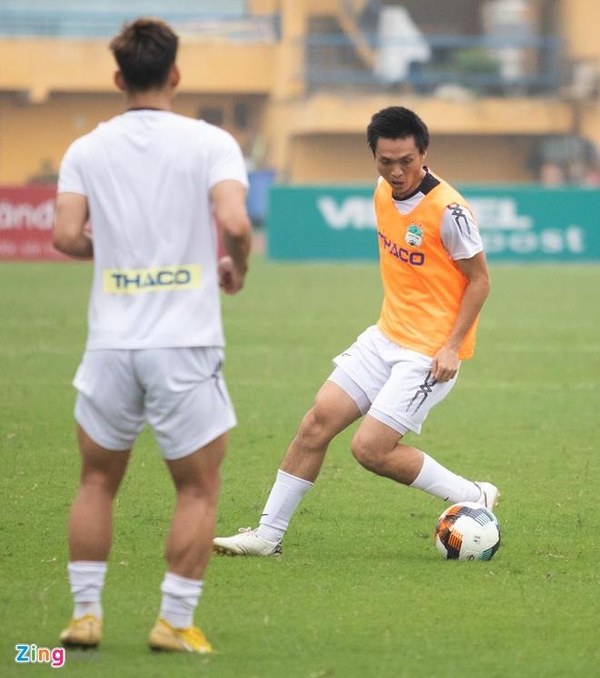 Van Thanh, Tuan Anh tuoi cuoi truoc tin don duoc thay Park trieu tap hinh anh 7
