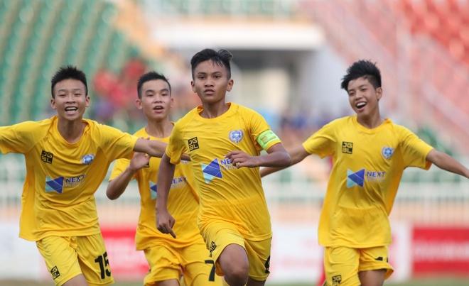 Van Quyen cung hoc tro gap doi Thanh Hoa o chung ket U15 quoc gia hinh anh 1