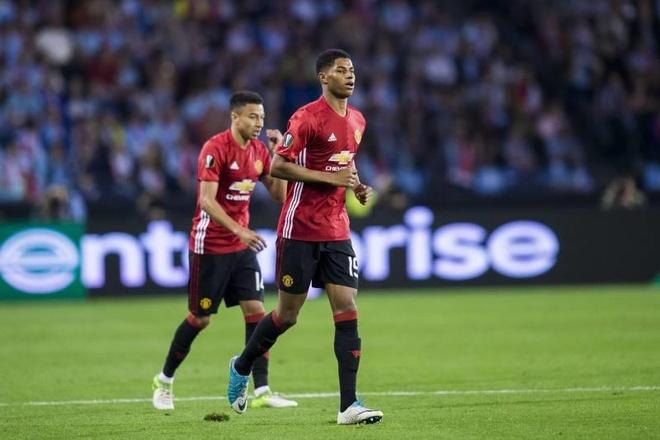 Doi bong cua ong bau Viet co the gap MU, Arsenal o cup chau Au hinh anh 2