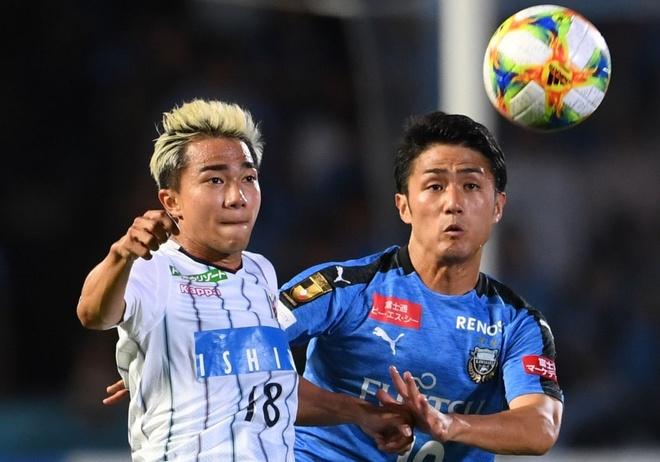 Chanathip vao top 10 cau thu dat gia nhat J.League hinh anh 1