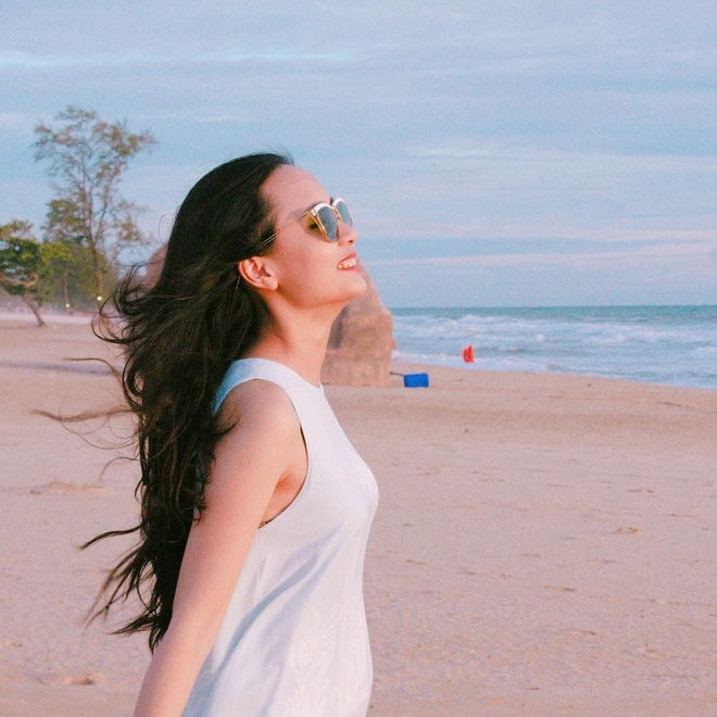 Không chỉ sở hữu vẻ ngoài xinh đẹp, Huyền Mi (28 tuổi) còn có công việc kinh doanh thời trang khá thành công. Bà mẹ một con gây ấn tượng với nhan sắc ngày càng mặn mà, quyến rũ.