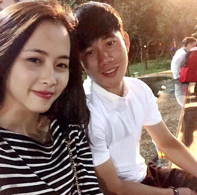 Cau thu Minh Vuong ky niem 3 nam yeu ngot ngao voi ban gai o My hinh anh 2