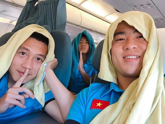 Tien ve Huy Hung: Thich chup anh 'dim hang', co ban gai xinh dep hinh anh 6