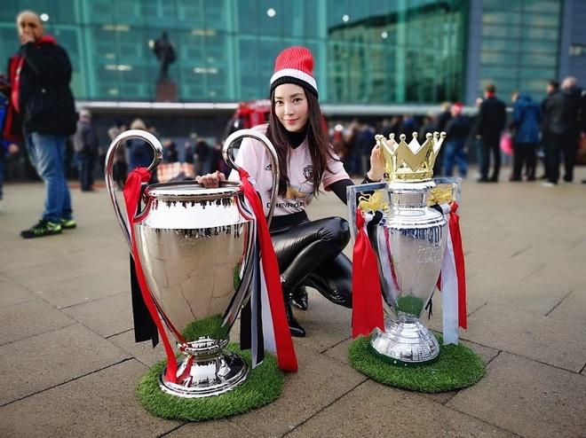 Ban gai hon 12 tuoi la dien vien noi tieng cua 'Messi Thai Lan' hinh anh 11