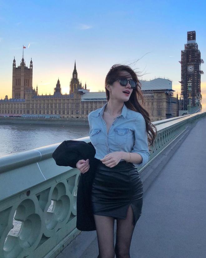 Ve goi cam cua hot girl Malaysia co 1,5 trieu fan tren mang hinh anh 7
