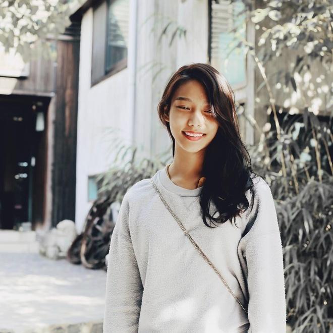 Ban gai tay vot Ly Hoang Nam la 'hot girl bong ro', cao 1,72 m hinh anh 4