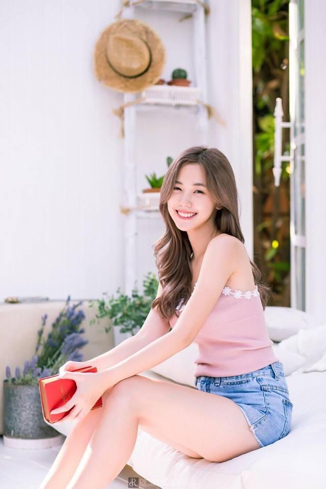 Ve goi cam cua hot girl Thai Lan hut nua trieu fan tren mang hinh anh 6
